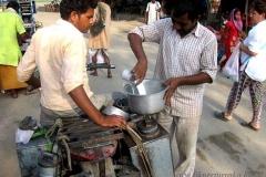 19. Reggel a Jamunánál megérkezett a tej