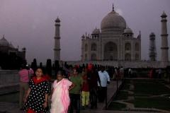 29. A Taj Mahalnál alkonyatkor