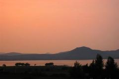 Gangapur Baandh Sagar tó a Beyond hotel mellett
