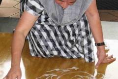 Prabha Kashalkar iniai művész rangolit készít