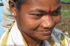Egyik szőlőmunkás nő