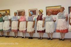 A Mezőszemerei Kéknefelejcs Hagyományőrző Egyesület Asszonykórusa