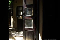 15. A Yamuna Kunj ajtói Vrindavanban
