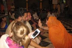 17. Hindu szertartáson Vrindavanban